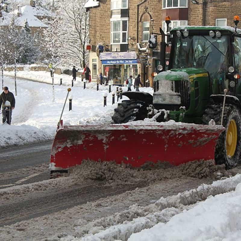 John_Deere_6930-_snow_plough-_Matlock